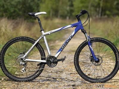 MBK226.biketest.yukon_001_prev-399-75.jpg