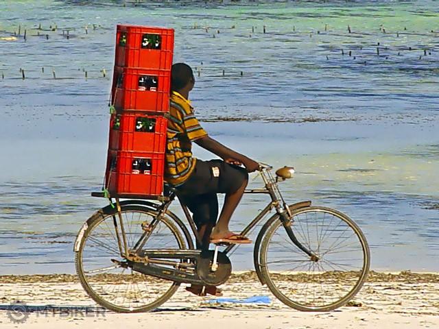 african-kid-bike-holiday-unicef.jpg