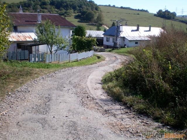 22.vjazd do dediny.jpg