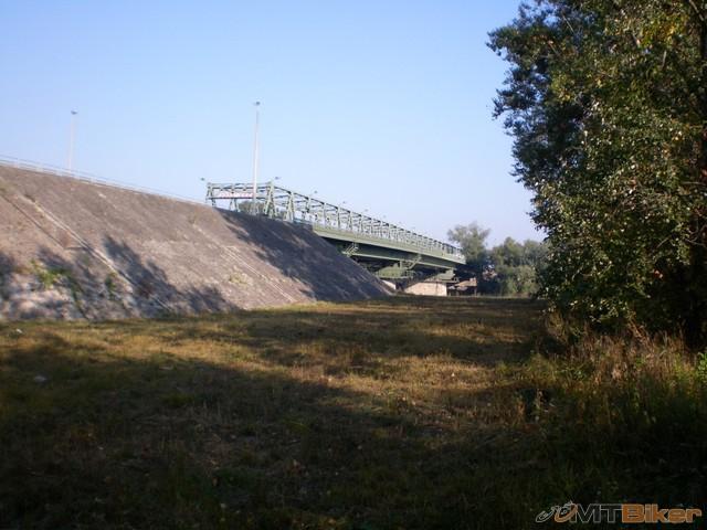 55.a most na ukrajinu.jpg