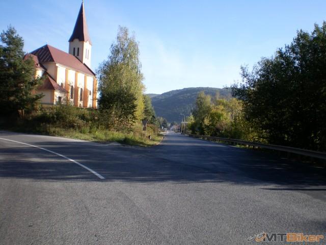 16.dali novy usek asfaltu aj smer na sp.n.ves.jpg