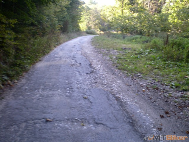 32.este sa da este najdem pasik cesty pre moje kolesa.jpg