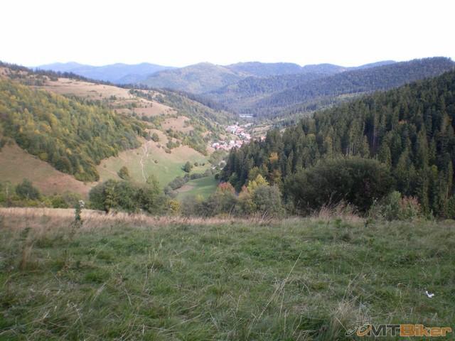 153.uhorna pohlad z kopca.jpg