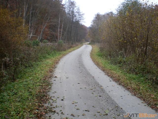 18.asfaltka je tu paradna...aj pre cestak.jpg