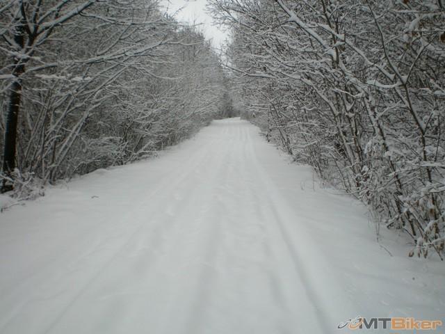7.mali sme stastie islo tade auto tak vela snehu nebolo...jpg