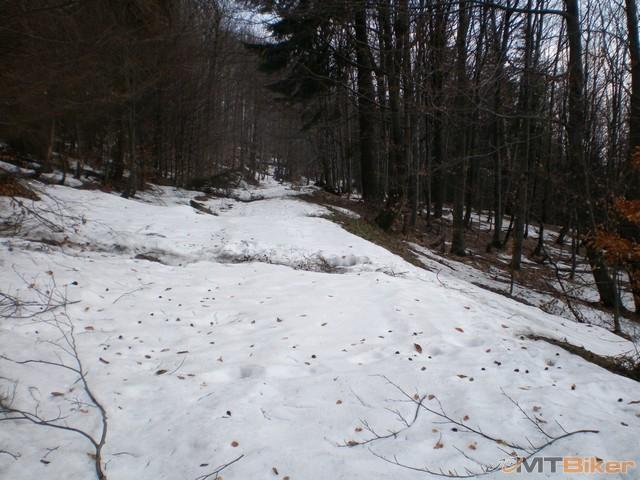 50.hore sneh dole voda clupi clup jak vodnik.jpg