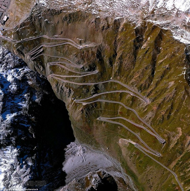2ABECE6F00000578-3170741-The_roads_crossing_along_the_Stelvio_Pass_a_road_in_Northern_Ita-a-8_1437576342391.jpg