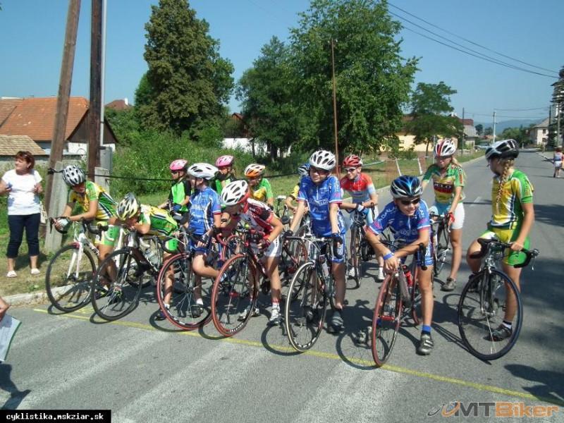 24201_cestna-cyklistika-a-cestne-bicykle-pre-deti-a-mladez_59d51562379e1.jpg