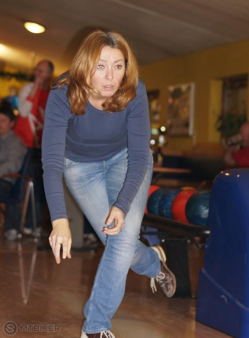 Stefi bowling_47.jpg