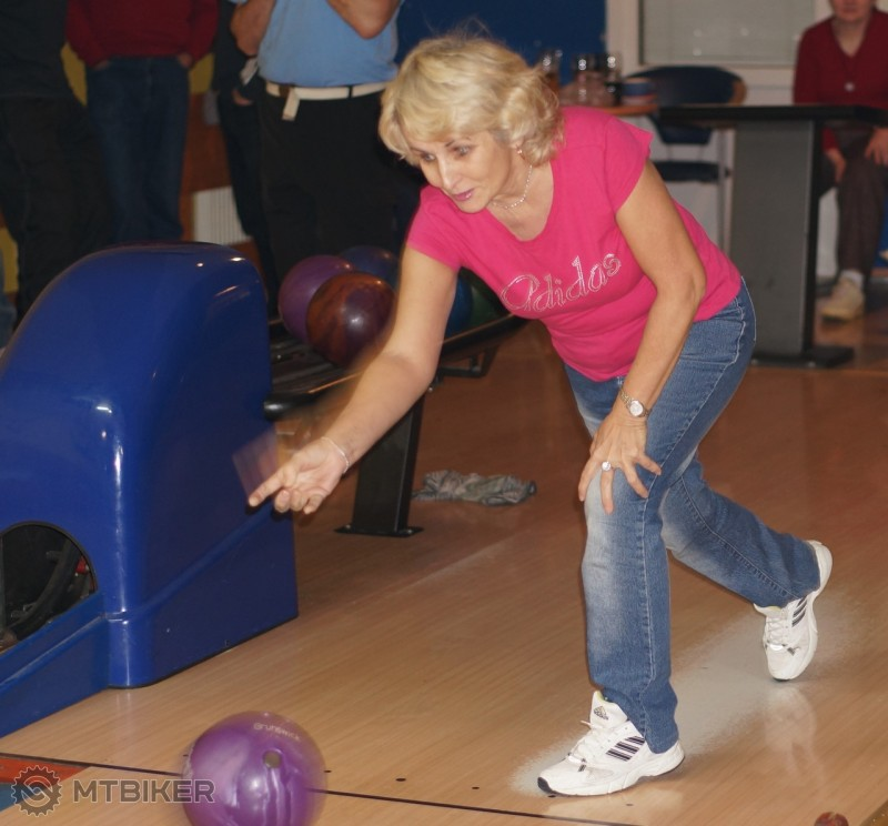 Stefi bowling_44.jpg