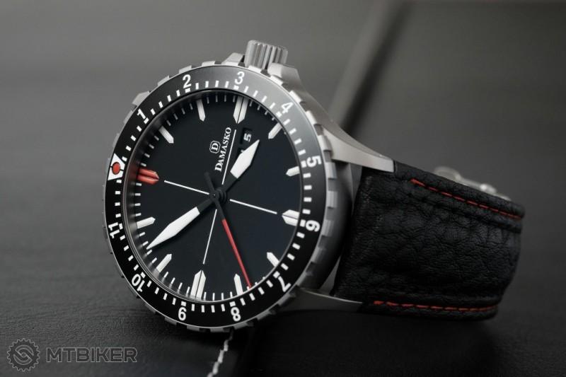 Aké hodinky majú bajkeri   - Príspevok od Polo  dd041e7d3ae