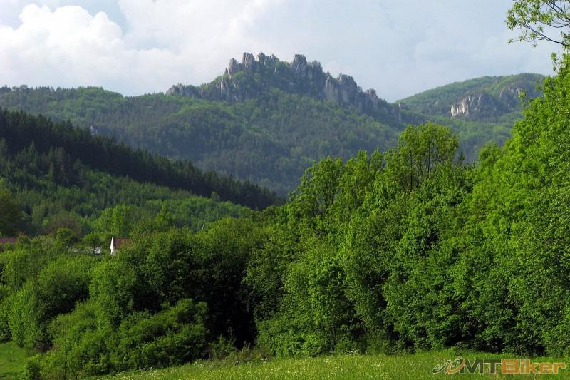 sulovsky hrad.jpg