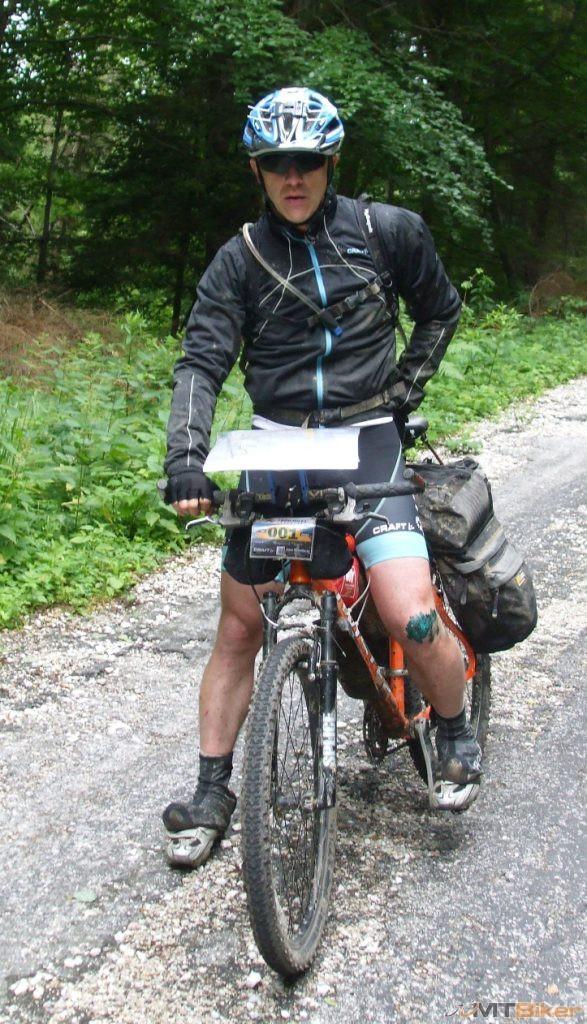1000miles_Petr-jazdec s cislom 001-.jpg