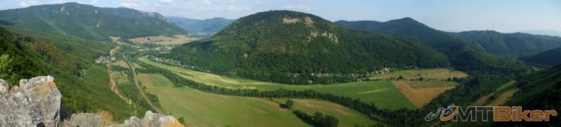 CV_montenegro_panorama-z-janosikovej-basty_2013aug.JPG