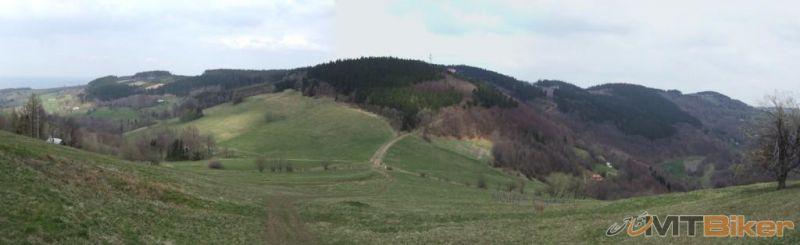 CV_velky-lopenik_panorama-lopenicke sedlo-z-cesty-na-vrchol.JPG
