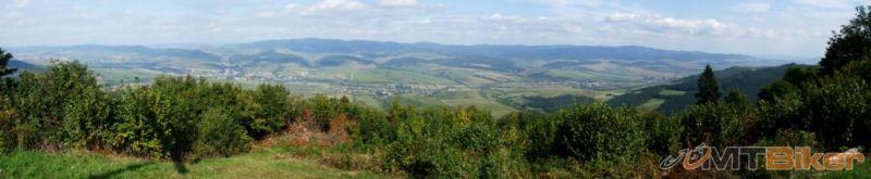 CV_marduna_vychodma-panorama-cly-hreben-cergova_2011sep-.JPG