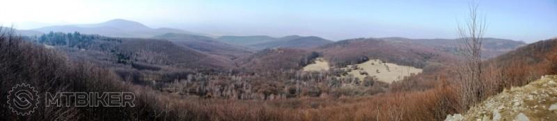 CV_milc_skarosska-vyhliadka-panorama_2014mar.JPG