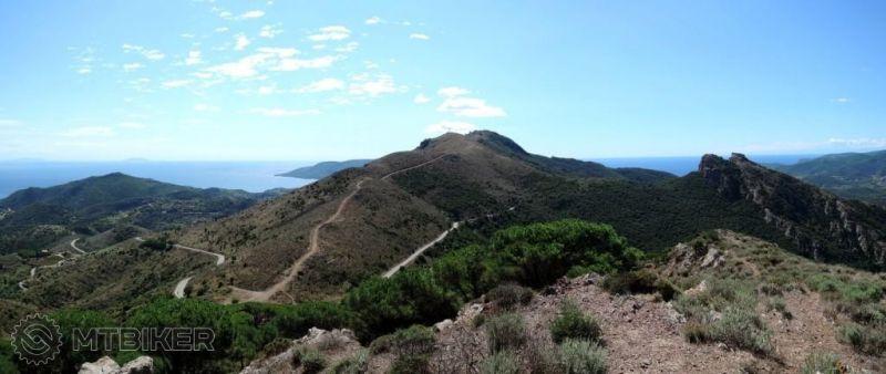 -elba_pohlad-z-m.capannello-na-juh-v-strede-cima-del-monte_2014sep.JPG