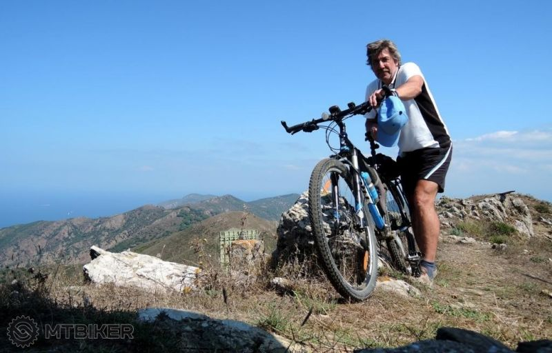 -elba_na-vrchole-cima-del-monte-516m_2014sep.JPG