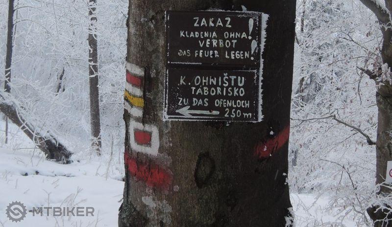 CV_zlatoidska-hora_SK-mantacky-napis-pri-trohanke_2015jansksa.JPG