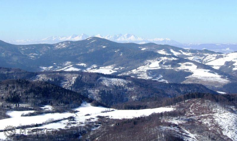 CV_folkskala_pohlad-na-tatry(71km)_2015feb.JPG