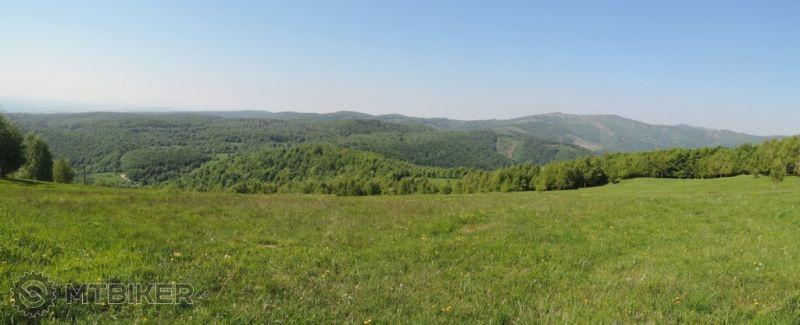 -CV_jeleni-vrch_zapadna-panorama_2015maj.JPG
