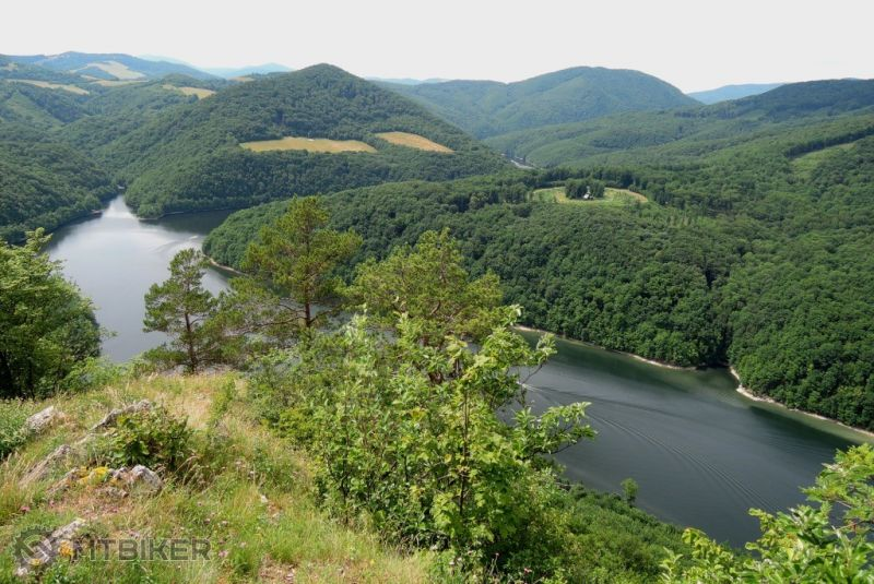CV_drienkova-skala_zelene-more-ciernej-hory_2015jun.JPG