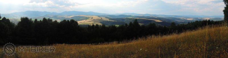 CV_grejnar_panorama-zlava-pohoria-branisko-bachuren-cergov_2015jul.JPG