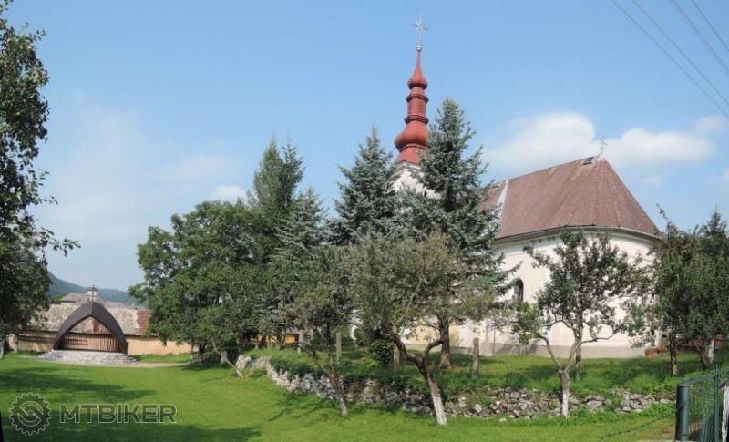 SK_borka_putnicky-kostol-panny-marie-karmelskej_2014aug.JPG