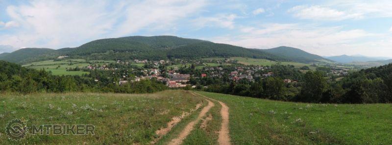 SK_vystup-na-plesivecku-planinu-z-rakovnice_2015aug.JPG