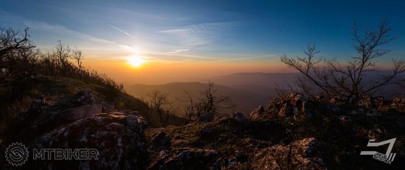 Východ slnka - Čelo 3.11.2015.jpg