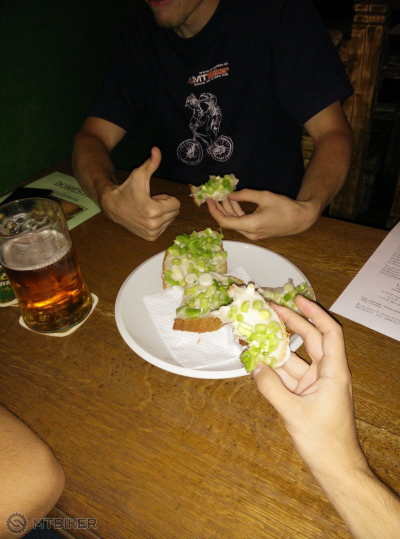 IMG_20140916 23.25.35 Dobré časy chlieb so šmaľcom.jpg