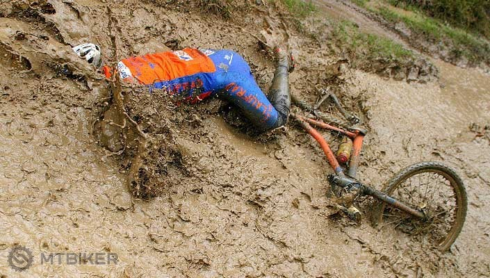 mountain-bike-rider-crashes-full-body-into-mud-bath.jpg