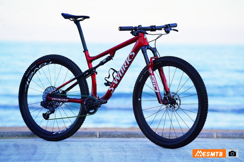 specialized_epic_kulhavy_02-min.jpg