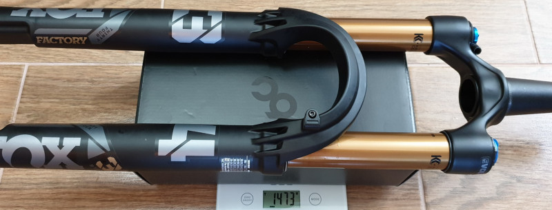 FOX_F34_SC_120mm_MY2022_RL_cut_steerer_1473g.jpg