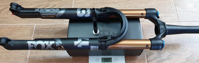 FOX_F34_SC_120mm_MY2022_RL+axle_1509g.jpg