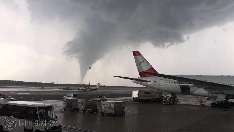 tornado.5628824.jpg
