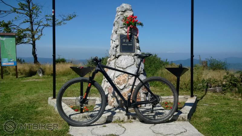 Pamätník.jpg
