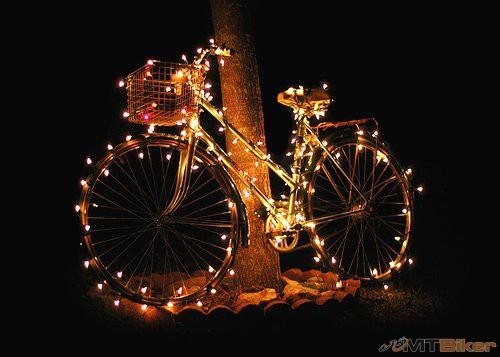 Bicycle-Christmas-Lights.jpg